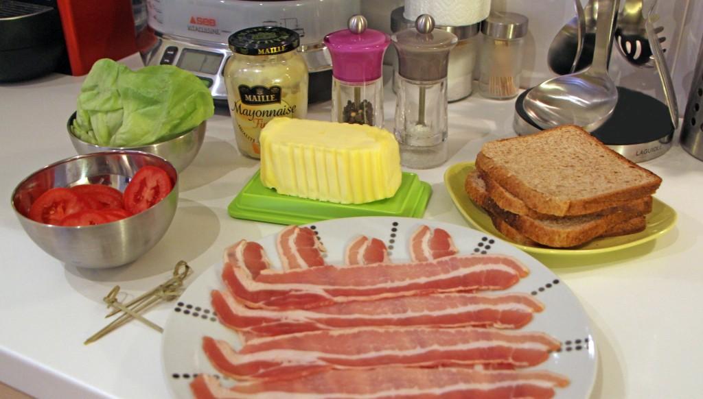 Ingedienti ricetta sandwich Bacon Lettuce Tomato