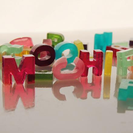 Jello shot en forme de lettres
