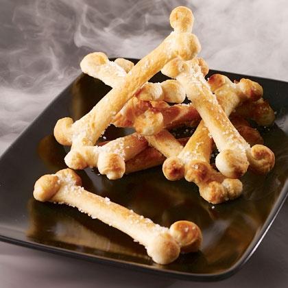 Gâteau apéritif en forme d'os pour Halloween